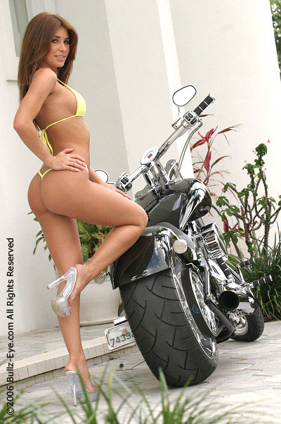 Mulher e Rabeta, gostosa e rabeta da moto, babes and tail bike, Woman and tail bike, gostosa na moto, girl on bike, sexy on bike, sexy on motorcycle, babes on bike, ragazza in moto, donna calda in moto, femme chaude sur la moto, mujer caliente en motocicleta, chica en moto, heiße Frau auf dem Motorrad