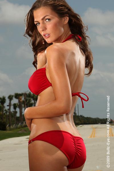 http://www.bullz-eye.com/Models/200905Jillian/Jillian-40.jpg