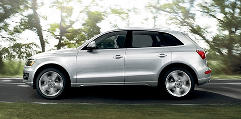 car review photos and pics of the 2011 audi q5 3 2 quattro. Black Bedroom Furniture Sets. Home Design Ideas