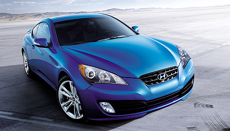 car review photos and pics of the 2011 hyundai genesis coupe 3 8 track 6mt. Black Bedroom Furniture Sets. Home Design Ideas