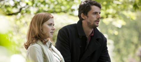 Amy Adams and Matthew Goode in