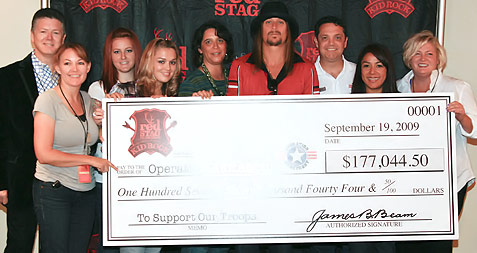 Kid Rock hands out check for Operation Homefront