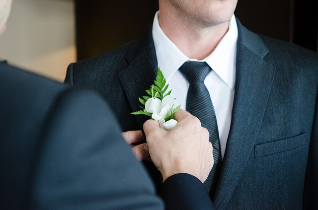flower for lapel at wedding