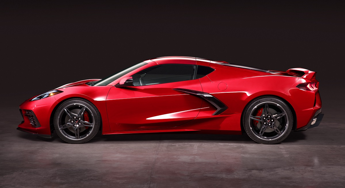 side view of 2020 Chevrolet Corvette Stingray