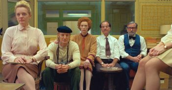 "Elisabeth Moss, Owen Wilson, Tilda Swinson and Fisher Stevens in ""The French Dispatch"""